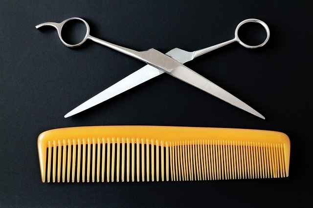 8 Easy Steps On How to Trim A Beard with Scissors